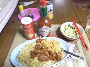 長女、みうちゃん盛り付け 、ミートソーススパゲッティ