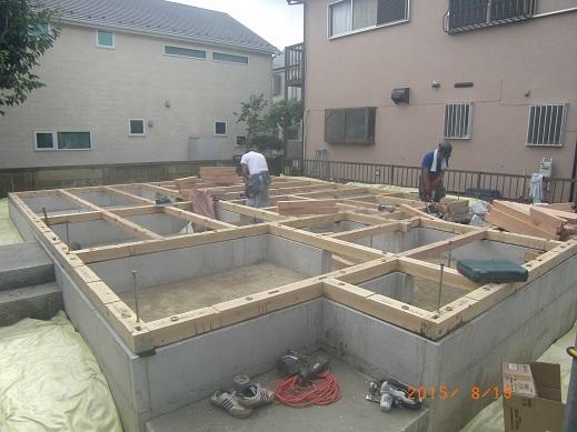 昨日、19日、大工羽山末信さん、本田さん、土台敷きしてくれました!